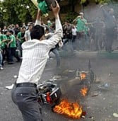 בעקבות הבחירות: השלטון האיראני חסם את השימוש ברשתות חברתיות ובטלפונים סלולריים