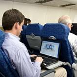 """ארה""""ב: גוגל תציע גלישה באינטרנט בטיסות של וירג'ין אמריקה – בחינם למשך חודשיים"""