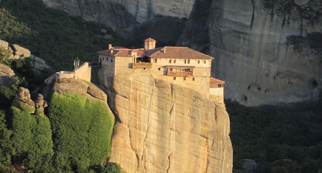 מנזר ביזנטי בראש הר בחבל זגוריה, יוון