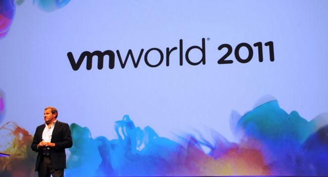 """מאוריציו קארלי, סגן נשיא בכיר ומנכ""""ל VMware לאזור EMEA, פותח את הכנס השנתי בקופנהגן. צילום: פלי הנמר"""