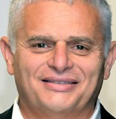 """מנכ""""ל APC, שמעון אברבנאל, קודם לתפקיד בכיר בשניידר אלקטריק EMEA"""