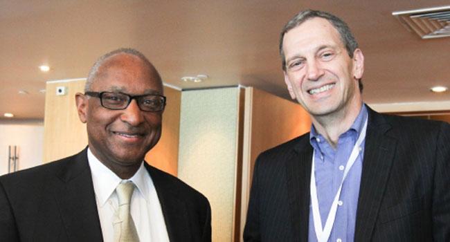 """מימין: ריק קפלן – מנכ""""ל יבמ ישראל החדש, וג'ים סטלינגס - מנכ""""ל השווקים העולמיים בקבוצת המערכות והטכנולוגיות של יבמ"""