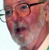 """ד""""ר ג'יימס לארסון: """"סירי טובה בהבנת דיבור וסבירה בדיאלוג – אבל זה עדיין לא מספק"""""""