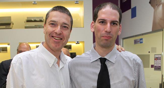 """יריב ענבר (מימין), מנכ""""ל מכללת מדיאטק היי-טק, לצדו של זיו מנדל, מנכ""""ל משותף בג'ון ברייס הדרכה"""