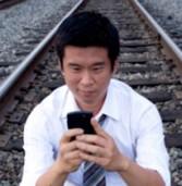 ניו-יורק: אדם קפץ למסילת רכבת כדי להרים את הסלולרי שלו – ונדרס למוות