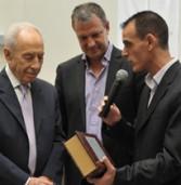 """נשיא המדינה פרס: """"ישראל חזקה מדעית יותר משהיא חזקה מדינית"""""""
