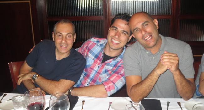 שלושת השותפים המאושרים של  U-BTech, שהגיעו בהרכב מלא. מימין: צחי אסיף, אלעד חיון ורונן גבאי