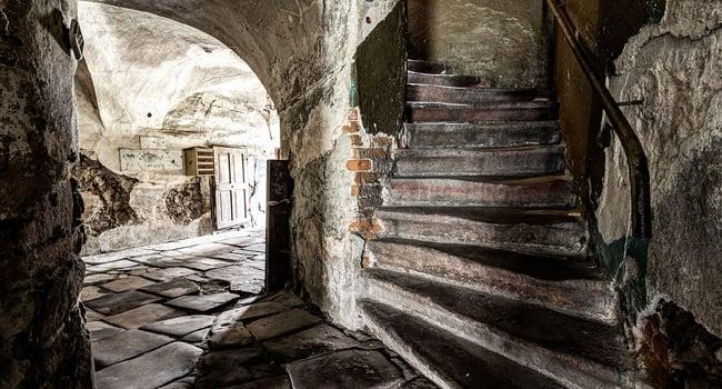 במקום הרביעי: גרם מדרגות בבית אריגה מהמאה ה-17, שנבנה בפעם השניה, בנובה רודה (Nowa Ruda) שבפולין. צלם: Jarek Ciurus