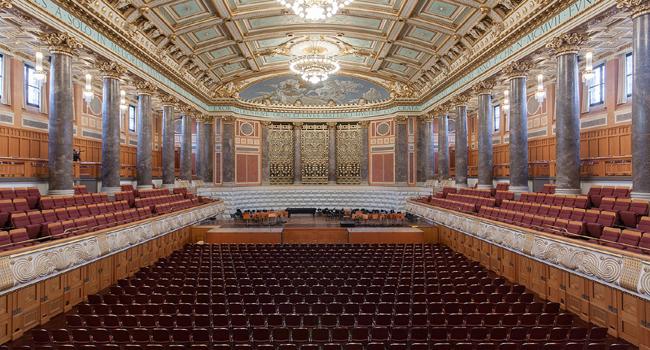 במקום החמישי: אולם קונגרס וקונצרטים מפואר מראשית המאה ה-20 בוויסבאדן (Wiesbaden), גרמניה. צלם: Martin Kraft