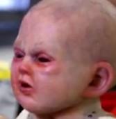 צפו: התינוק שמשגע את הרשת