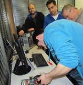 ג'ון ברייס – מכללת הי-טק תתקן 1,000 מחשבים ועמותת מחשב לכל ילד תעביר אותם לילדים נזקקים