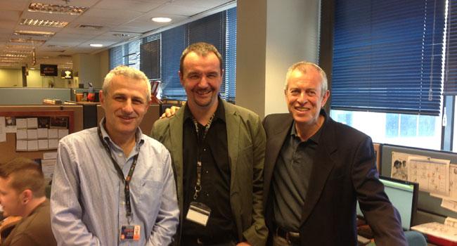 """מימין: יונתן טורצקי, מנכ""""ל אקסטנד; הנדריק ואן דר ולדה, מנהל איזורי ב-MobileIron; וראובן מייסטר, מנהל אגף פתרונות תקשורת לעסקים בפרטנר"""