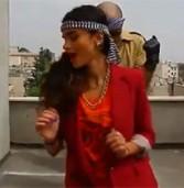 """איראן ממשיכה להילחם בחופש ברשת: עצרה צעירים שהעלו סרטון """"לא צנוע"""" ליו-טיוב"""