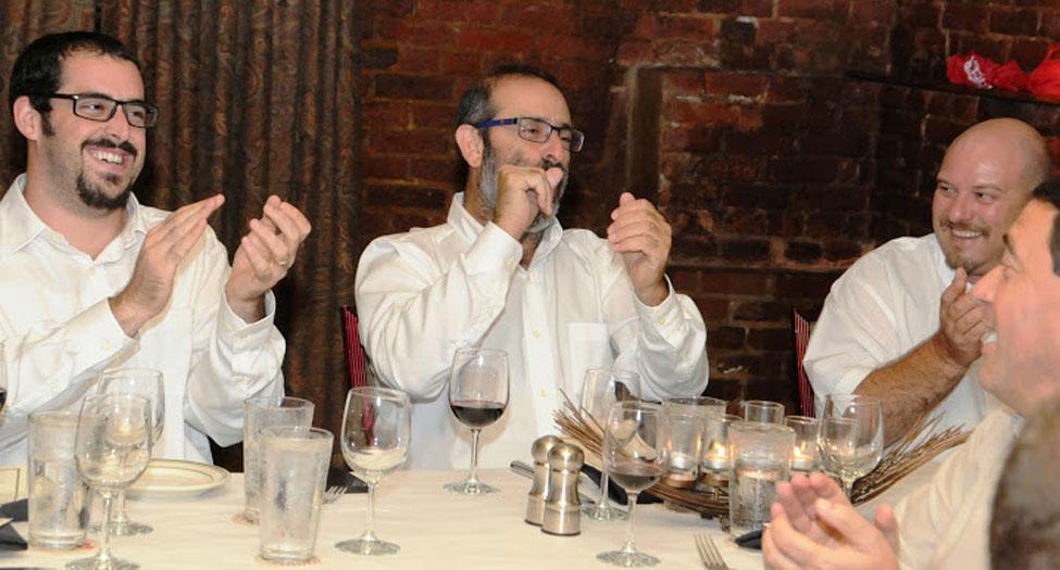 נצפו בארוחת הערב של המשלחת הישראלית. מימין: שי ערמון, מנהל תחום Azure בטריפל סי, רמי נחום ובן נחום.