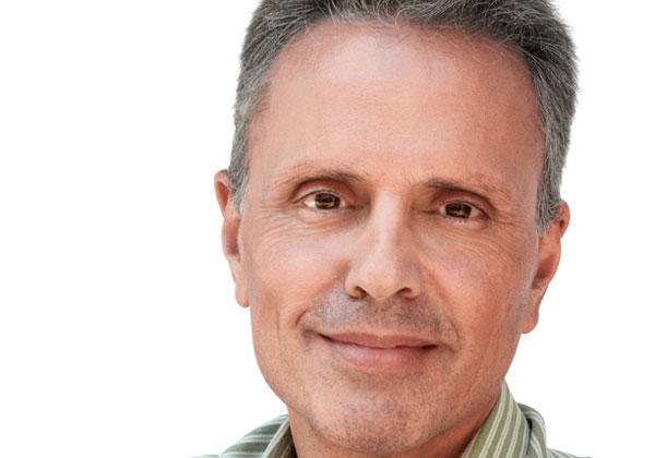 ג'וני סרוג'י, סגן נשיא לטכנולוגיות חומרה באפל. צילום: אתר החברה