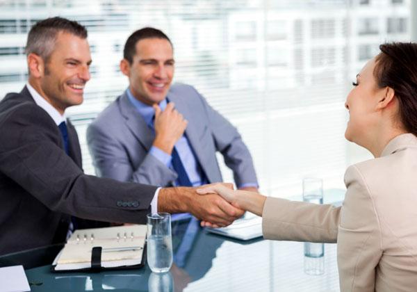 מנהל דיגיטל טוב צריך להכיר גם את מה שעושים המנהלים האחרים בארגון. צילום אילוסטרציה: BigStock