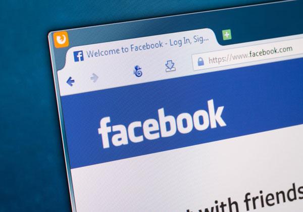 תחזיר את סטטוסים מצייצים לאוויר. פייסבוק. צילום: BigStock