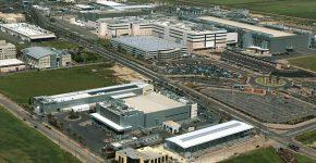 מפעל אינטל בקריית גת. הממשלה צריכה לפעול כדי שגם המפעל הבא של החברה יוקם שם. צילום: ארכיון קריית גת, מתוך ויקיפדיה