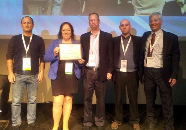 אנשי Solchip ומעניקי הפרס בטקס קבלת התואר Innovex Disrupt 2015