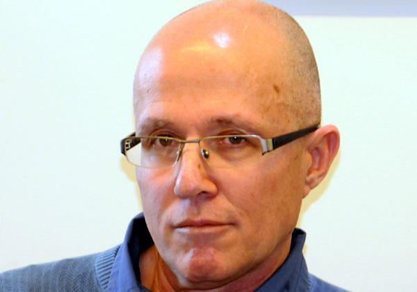 לואיס קורונל, מנהל השיווק של אוטופונט