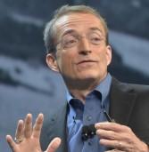 """פט גלסינגר, VMware: """"עבורנו עסקת EMC-דל היא לא עניין גדול"""""""