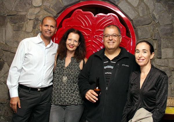 """מימין: ריקי קורן, מנמ""""רית Solaredge; ניר גרונר, סמנכ""""ל בכיר לייעוץ ופרויקטים, מוביל את חטיבת ה-Consulting של אורקל בישראל, בחשיפה ראשונה (פרטים נרחבים - בכתבה); לימור מורב, מנכ""""לית חטיבת אורקל באדוונטק; ויגאל פדאל, מנמ""""ר נשר מפעלי מלט ישראליים"""
