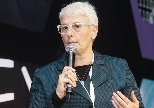 """ד""""ר ארנה ברי, יו""""רית הוועדה לבחינת תחום הבינה המלאכותית בישראל. צילום: ניב קנטור"""