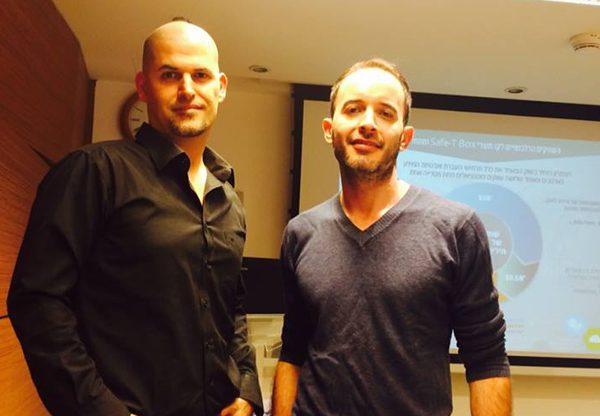 """מימין: שחר דניאל , מנכ""""ל Safe-T, ואמיר מיזהר, ה-CTO של Safe-T. צילום: אבי בליזובסקי"""