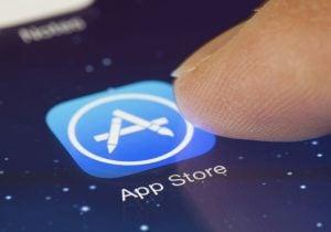 בלי הפייק ניוז האחרונים על הקורונה? App Store. צילום: BigStock