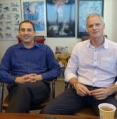 """באו לבקר במאורת הנמר: רוני שדה, מנכ""""ל MedOne, ואלי מטרה, סמנכ""""ל השיווק והמכירות של החברה"""