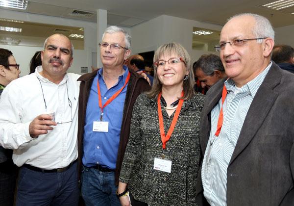"""מימין: ספי גלעזר, סמנכ""""ל קבוצת אמן; אביטל ינובסקי, מנהלת הפיתוח העסקי של צופן; דדי פרלמוטר; וסאמי סעדי, מנכ""""ל משותף בצופן. צילום: יוני רייף"""