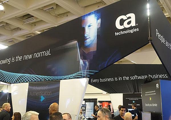"""ביתן CA ב-RSA 2016. המוטו הוא: """"בעסקים, הכול תוכנה"""". הכול אפליקציות, ואין ספק שחייבים להגן על כל הנתונים בכל עת. צילום: פלי הנמר"""