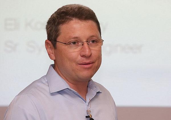 """אלי קושרובסקי, מהנדס תקשורת בג'וניפר ישראל. צילום: קובי קנטור ז""""ל"""