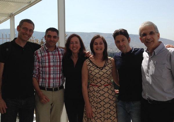 """מימין לשמאל: עמי הראל, יוסי מולדבסקי, השגרירה אירית בן אבא, קרין מאיר רובינשטין, איציק פריד, ערן וגנר. צילום: יח""""צ"""
