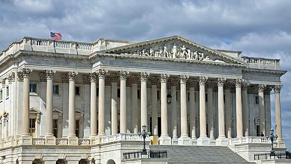 פיצ'אי, צוקרברג ודורסי יעידו היום בפני הסנאט האמריקני