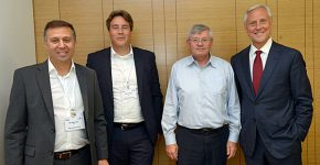 """מימין: בוב ביצ'אמפ, נשיא ומנכ""""ל BMC העולמית; יוסי שנק, סמנכ""""ל הטכנולוגיות והתקשוב של חברת החשמל; רובין וורביט, סגן נשיא לאזור EMEA ב-BMC; ויורם אלול, מנהל פעילות ישראל ב-BMC"""
