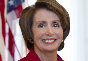 """פייסבוק """"שותפה להטעיית העם האמריקני"""". ננסי פלוסי, יו""""ר בית הנבחרים. צילום: ויקיפדיה"""