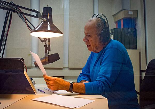 קובי ברקאי, קריין חדשות בקול ישראל. צילום: מתוך ויקיפדיה