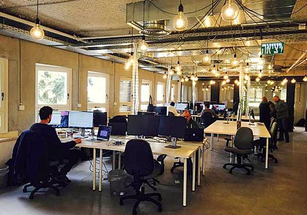 מתקדם MyHeritage מגייסת 40 עובדים וחונכת משרדים בתל אביב - אנשים ומחשבים FI-16