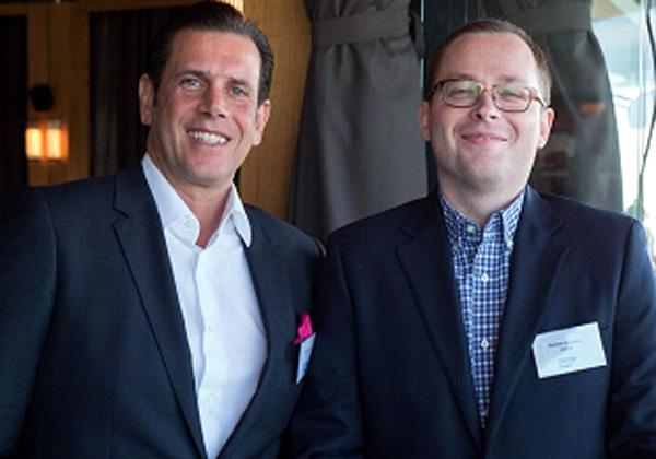 מימין: ברטוס וויטורזנק, מנהל האסטרטגיה הדיגיטלית בבנקאות קמעונית בבנק הפולני Mbank, וסאקיס טאסודיס, סגן נשיא שירותים פיננסיים בסאפ לאזור EMEA