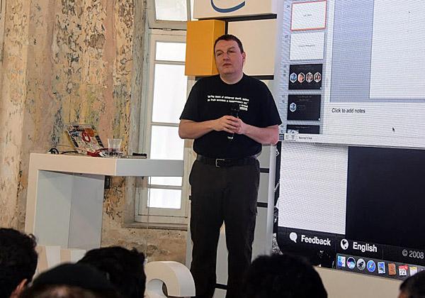 ג'וליאן סימון, אוונגליסט טכנולוגי ב-AWS. צילום: פלי הנמר