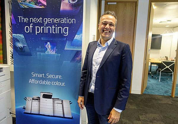 ניק לאזארידיס, נשיא HP Inc לאזור EMEA, מתלהב מהמדפסות החדישות והמאובטחות, שיביאו את HP לפלח השוק החדש לה. צילום: פלי הנמר