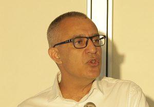 """פרופ' עמי מויאל, נשיא מכללת אפקה ויו""""ר הכנס. צילום: דוד סקורי"""