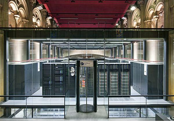 """מחשב העל של לנובו במרכז בברצלונה. צילום: יח""""צ"""