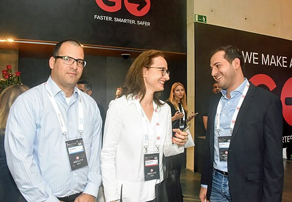 מימין: ירון כהן, מנהל תחום אבטחת מידע ב-HPE; שושי ליבוביץ', מנהלת פעילות ישראל ב-F5; ותום מוסטקי, ארכיטקט אבטחת מידע ב-HPE