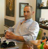 בא לבקר במאורת הנמר: דניאל קרן, מסעות דניאל קרן