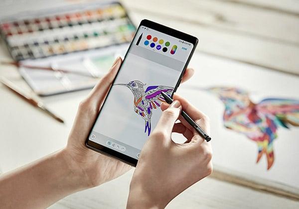 """השתדרג. ה-S-Pen של ה-Galaxy Note 8. צילום: יח""""צ"""