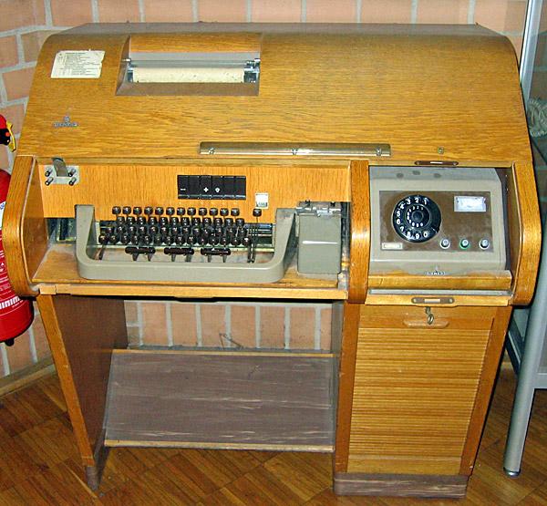 מכשיר טלגרף. צילום: Flominator, מתוך ויקיפדיה