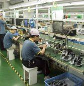 חינוך חובה? תלמידים אולצו לעבוד שעות בפוקסקון בייצור iPhone X