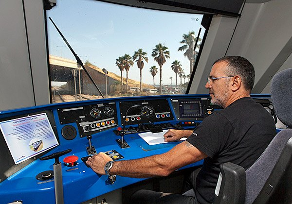תא של נהג קטר ברכבת ישראל. צילום: דוברות רכבת ישראל